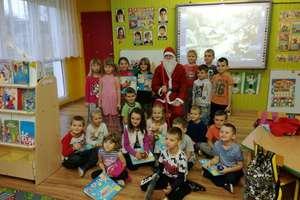 Bezledy. Święty Mikołaj u przedszkolaków