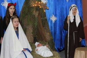 Bożonarodzeniowe Świętowanie w szkole w Bezledach