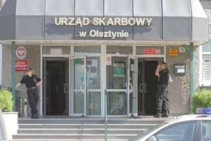 Podatnicy muszą uzbroić się w cierpliwość. Urząd Skarbowy w Olsztynie zawiesza bezpośrednią obsługę interesantów