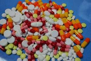 Sprzedam tanio antybiotyk, czyli internetowi farmaceuci