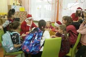 Biblioteczne Mikołajki w Szkole Podstawowej nr 2 w Działdowie [zdjęcia]