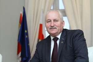 Marszałek Brzezin apeluje do premiera Morawieckiego. Ostatnia szansa na miliony dla regionu?