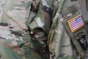 Dwóch 20-latków aresztowanych w sprawie pobicia żołnierza i pracownika cywilnego armii amerykańskiej