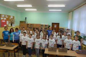 Uczniowie z gminy Rozogi bili rekord Guinnessa w programowaniu