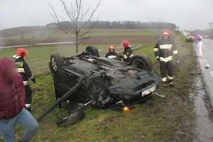 Czołowe zderzenie na DK 57 między Wozławkami a Galinami. Jedna osoba w szpitalu