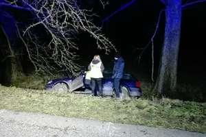 Wypadek na trasie Barciany - Rodele. Jedna osoba w szpitalu