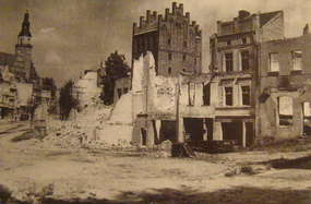 Olsztyn. tak wyglądało  Stare Miasto po podpaleniu go przez sowietów (1945)