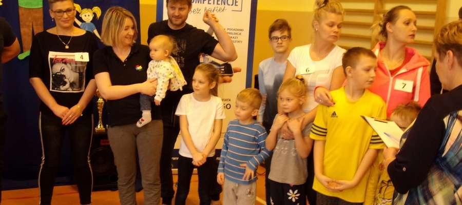 Szkolna Spartakiada Rodzinna odbyła się w szkole w Szyldaku