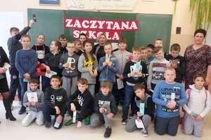 Księgarz, drukarz, bibliotekarz, pisarz. Uczniowie z Sokolicy poznali te zawody