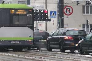 Czytelnicy alarmują: Kierowcy autobusów w Olsztynie jeżdżą na czerwonym?