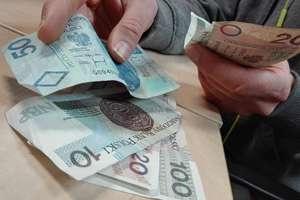 Polacy odkładają moment przechodzenia na emeryturę