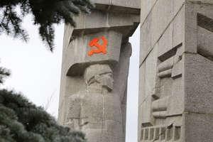 Co myślicie  o pomniku gwałcicieli?