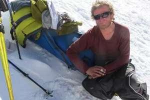 Tomasz Mackiewicz został pod szczytem góry, którą tak pokochał [FILM Z AKCJI RATUNKOWEJ]