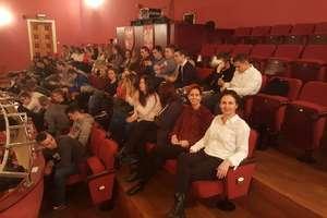 Wizyta w teatrze, czyli kontakt ze sztuką młodzieży