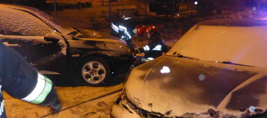 Przy ulicy Przemysłowej w Mrągowie doszło do zderzenia dwóch samochodów osobowych. Kierujący opuścili pojazdy przed przybyciem służb ratunkowych.