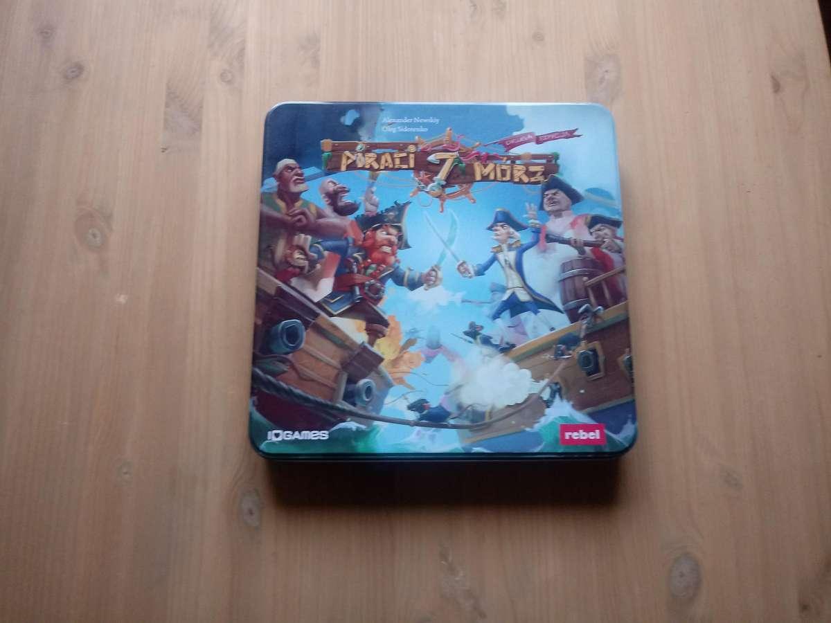 Za to samo pudełko już zachęca do gry