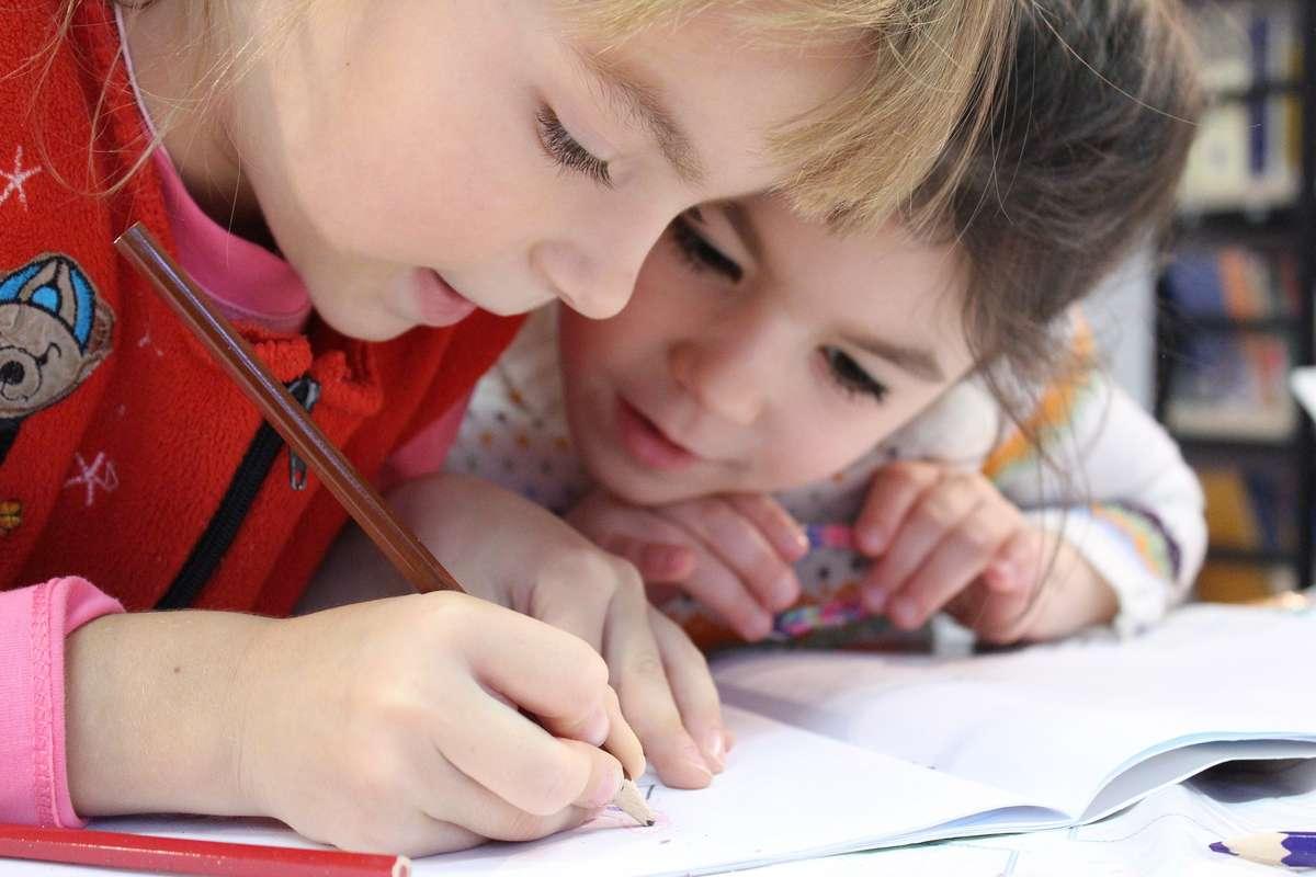 """""""Dzieci wiedzą, co piszą!"""" — dyktando w Planecie 11 - full image"""