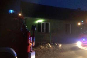 Pożar domu w Łąkorzu. Dwie osoby poszkodowane