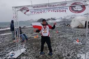 Bartoszyczanin przebiegł maraton (a nawet więcej) na Antarktydzie