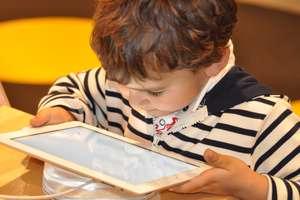 Zrewolucjonizowali rynek technologii, ale dzieciom bronią do niego dostępu