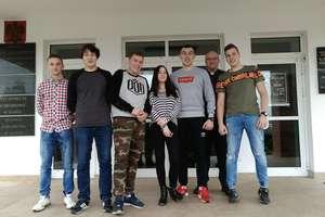 Młodzież ZSZ w Iłowie bierze udział w projekcie edukacyjnym