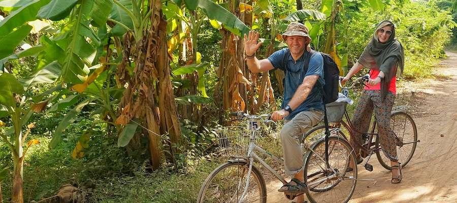 """Podróżnicy """"Zakochani w świecie"""" podczas wyprawy do Kambodży"""