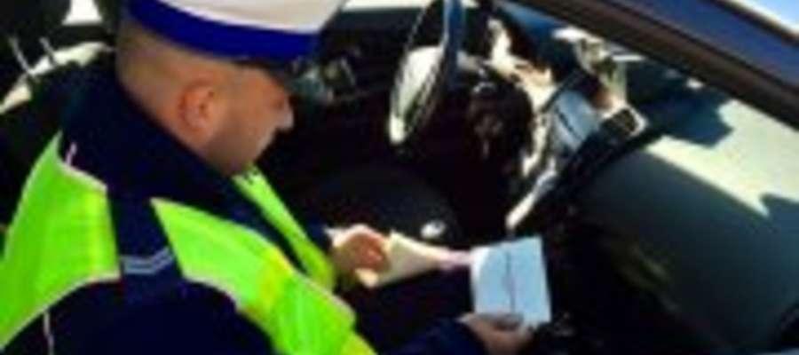 """Policjanci z lidzbarskiej drogówki rozpoczęli na terenie powiatu działania """"Niechronieni uczestnicy ruchu drogowego""""."""