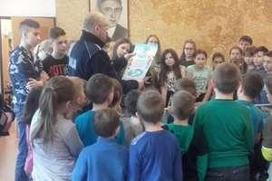 Dzielnicowi odwiedzili uczniów w Węgielsztynie