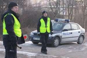 Policja mężczyźnie zatrzymała prawo jazdy za jazdę po alkoholu