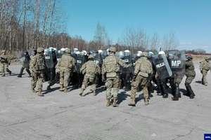 Żołnierze z USA, Wielkiej Brytanii, Chorwacji i Rumunii ćwiczyli z policjantami z Olsztyna [ZDJĘCIA, VIDEO]