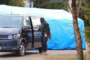 Policjanci rozbili grupę przestępczą z regionu. Oszuści wyłudzili kilkadziesiąt tysięcy złotych