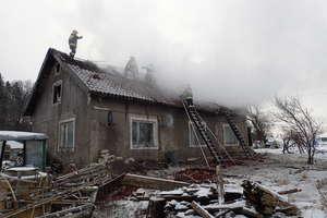 Pożar domu w Nowosadach. Rodzina straciła dach nad głową