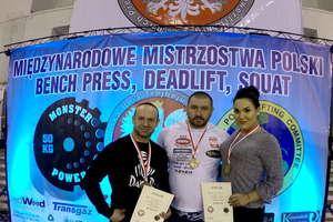 Troje naszych zawodników medalistami mistrzostw Polski GPC w trójboju siłowym. ZOBACZ ZDJĘCIA