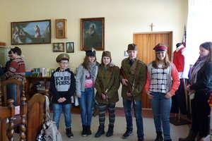 Z wizytą w Izbie Pamięci majora Stefana Gratunika