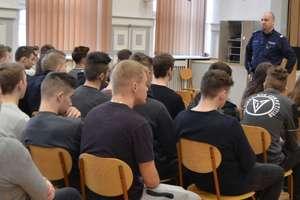 Spotkanie profilaktyczne policji z młodzieżą