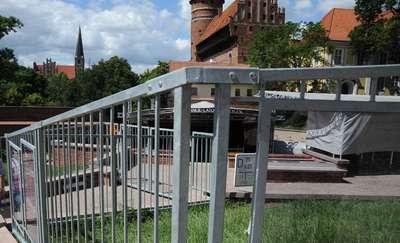 Ogrodzenie amfiteatru w Olsztynie zostanie zdemontowane