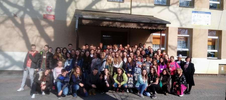 Młodzież z programu Erasmus + przyjechała z wizytą do Gminy Rozogi