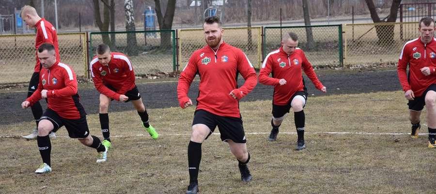Piłkarze Płomienia Turznica, jak pogoda pozwoli, w sobotę zagrają u siebie z Kaczkanem Huraganem II Morąg