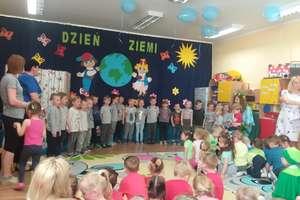 Jesteśmy przyjaciółmi przyrody – dzieci z Przedszkola Publicznego nr 2 obchodziły Światowy Dzień Ziemi