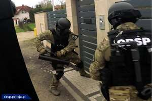 Brawurowa akcja CBŚ przeciwko przestępczości narkotykowej. Pomogli policjanci z Olsztyna [ZDJĘCIA, VIDEO]
