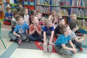 Wizyta przedszkolaków w Miejskiej Bibliotece Publicznej