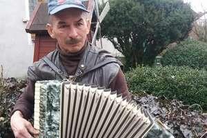 Podarowaliście p. Januszowi akordeon