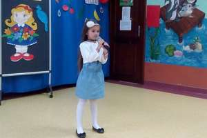 """Przegląd piosenki przedszkolnej ,,Mini talent"""" w Przedszkolu Miejskim"""
