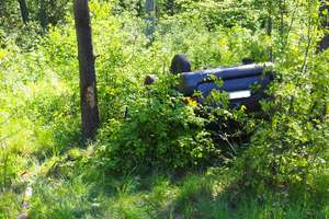 Dachowanie auta na trasie Tuczki - Rybno