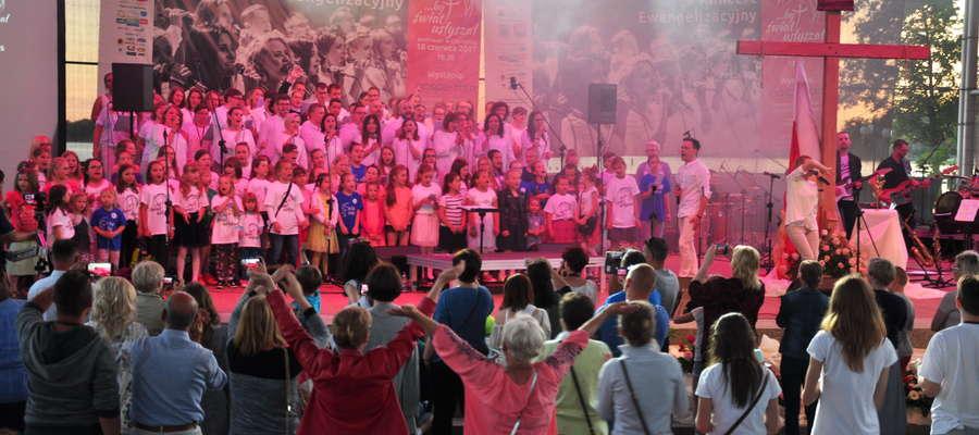 V koncert ewangelizacyjny w Ostródzie w 2017 r. z udziałem Gospel Rain.