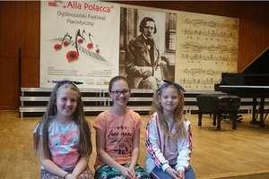 Przez Sanniki i Żelazową Wolę do Warszawy. Wycieczka młodych pianistek połączona z sukcesami