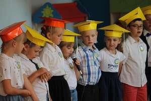 Przedszkolaki zakończyły rok przedszkolny w nowym przedszkolu