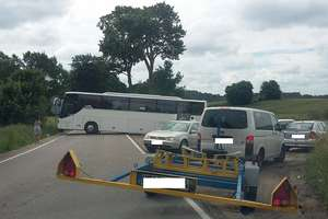 Autobus zablokował objazd z Ostródy do Olsztyna
