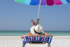 Wybierasz się na urlop, ale pracodawca robi ci problem? Sprawdź swoje prawa i obowiązki