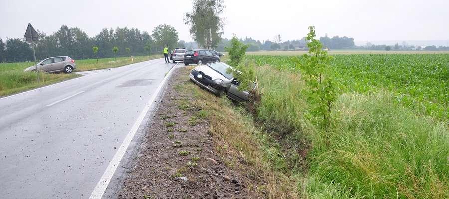 Kierująca autem trafiła do szpitala.